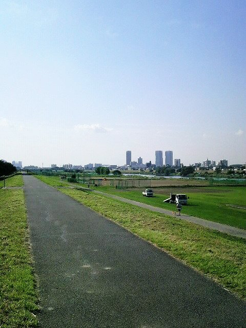 川崎方面に向ってサイクリング