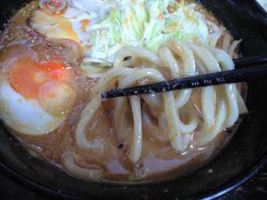 10041911大勝軒・みそチーズつけめん 麺 in スープ