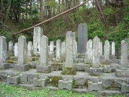 護国神社新政府軍墓地