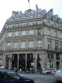 Hotel du Louvre de jour