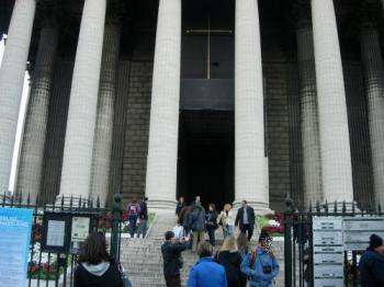 マドレーヌ寺院入口