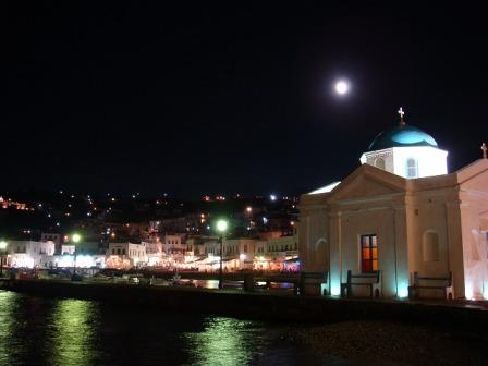 ミコノスの港夜景