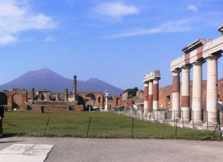 ベスビオと神殿