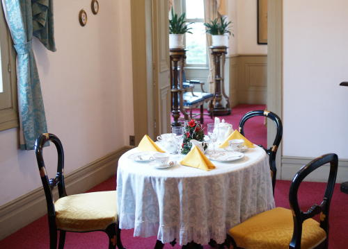 西郷邸テーブル2