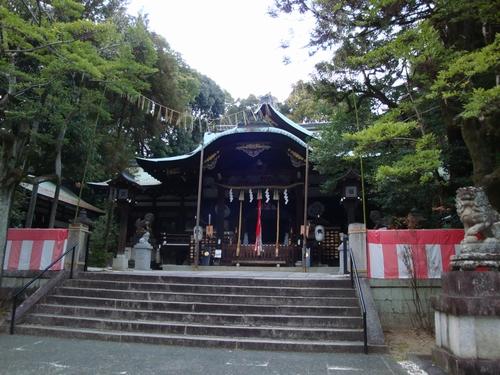 岡崎神社へ