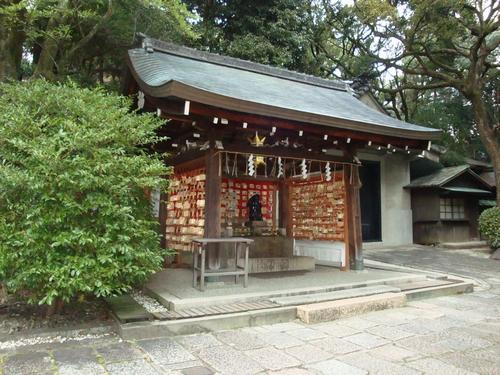 岡崎神社の兎さん