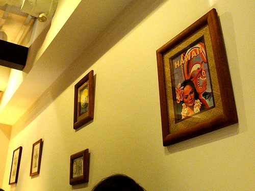壁のアートたち