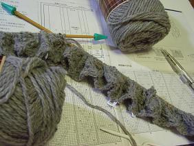 編み物開始!