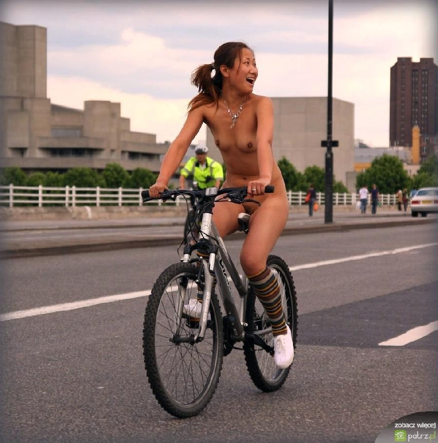 nude yung girls on bikes