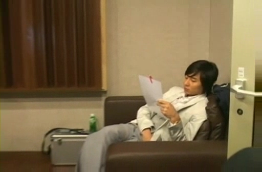 090212 Eric at Recording studio for Yes! [TOP starzone].flv_000029566