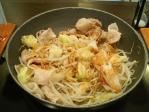 神保町 肉屋の正直な食堂 豚野菜鍋(肉1.5)