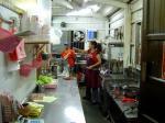 四季牛肉麺の厨房