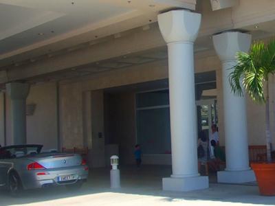 ハワイ ホテル バレーパーキングでのチップ
