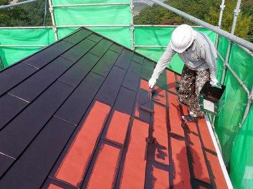 02 トタン屋根 中塗り(フッ素樹脂塗料)
