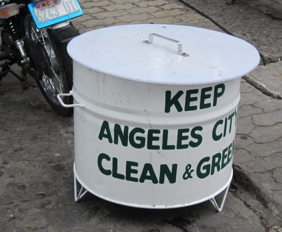 Garbage can033011