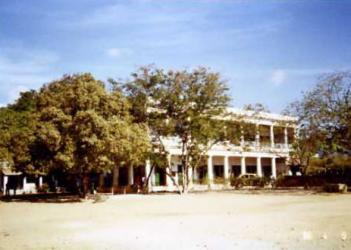 シンの学校校舎