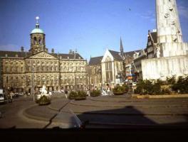 ホテルの広場