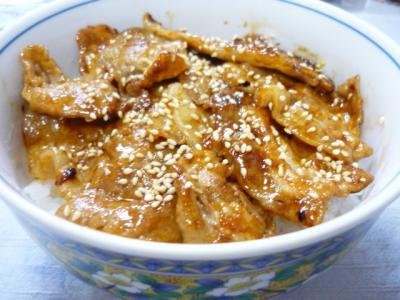 ピリ辛焼肉丼