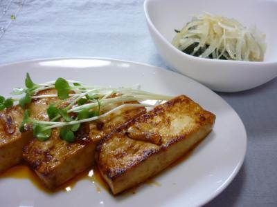 豆腐ピリ辛ステーキ