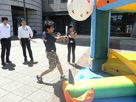 hiroshi_swing.jpg