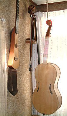 arpeggione_guitar_cello.jpg