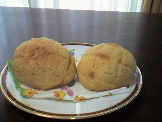線の入ったメロンパン