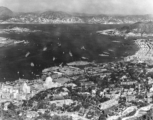 4-Hong-Kong-Victoria-Harbour-1936.jpg