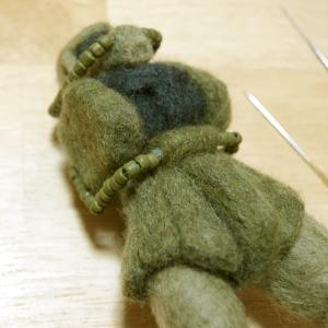 羊毛ザク_パイプ_2