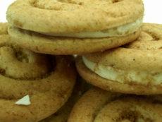 cinnaboncookie2.jpg