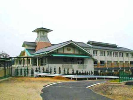 大井城の遺構に建てられた大井小学校