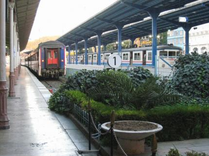 シルケジ駅のホーム_convert_20100418222208