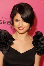 220px-Selena_Gomez_2009.jpg