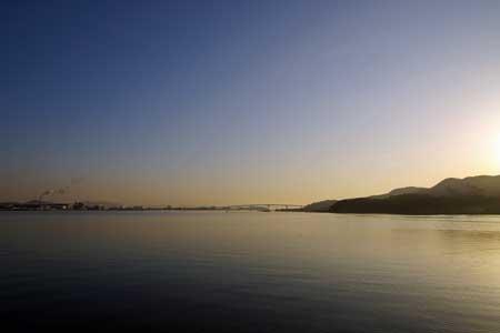 児島湾・児島大橋を望む