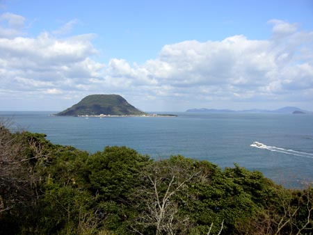 高島、定期船は一人200円