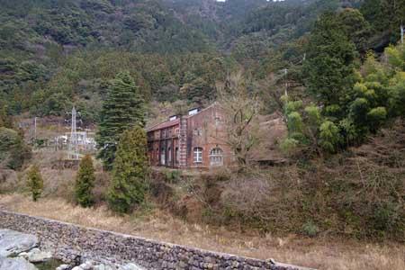マイントピア別子横の旧水力発電舎