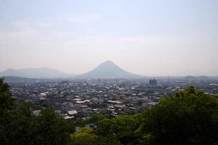 三の丸から讃岐富士