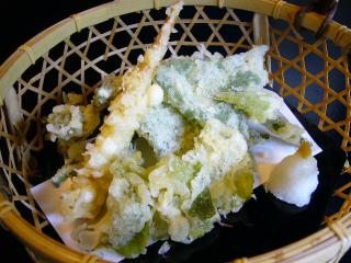 とうや屋うかい 山菜の天ぷら