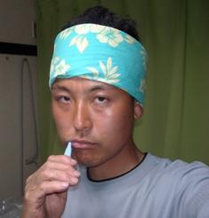 歯磨き中のゆたかマン