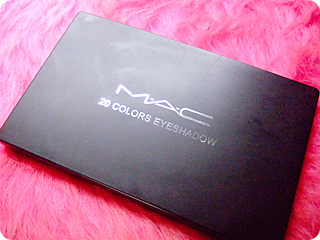 MAC 20 COLORS EYESHADOW