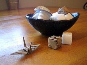 包み紙で作った折り鶴♪