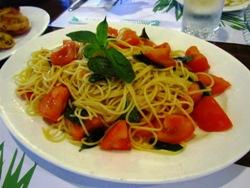 tomato,basil pasta