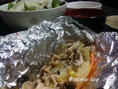 鮭のムニエル・ナスのお味噌汁・グリーンサラダ