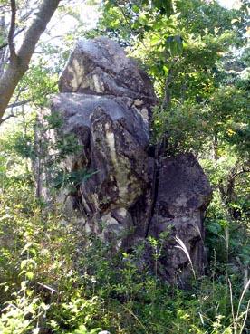 ビリケン岩:観音正寺