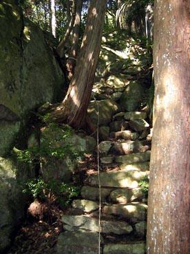 奥の院分かれ道左:観音正寺