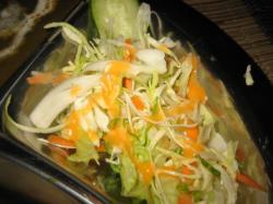 野菜サラダも付いています(*^_^*)