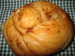 黒砂糖くるみパン