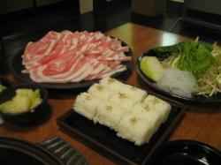 豚しゃぶ、おにぎり、野菜が続々と(^^ゞ