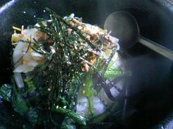卵の黄身が海苔で隠れています・・・(^^ゞ