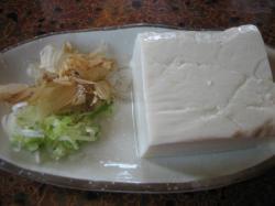 お店で手作りしているお豆腐100円(!o!)