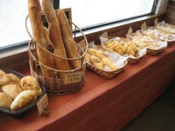 ドーナツ類やフランスパン